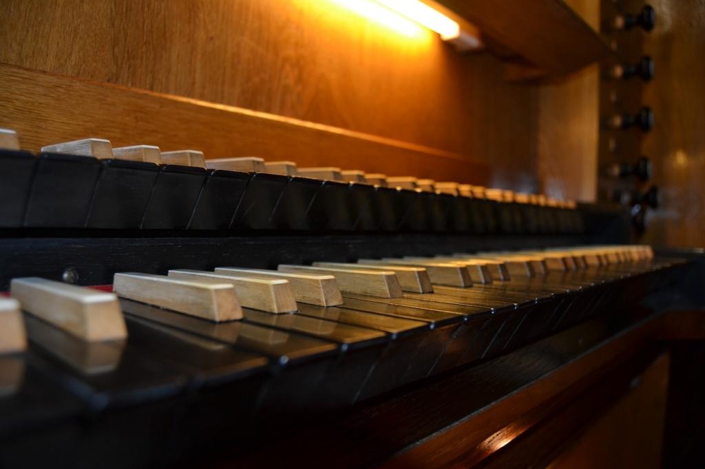 パイプオルガンの鍵盤